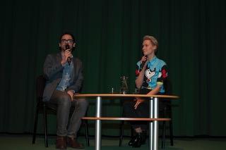 Agnieszka Żulewska i prowadzący rozmowę Artur Cichmiński (East News/Jacek Zuchowicz)